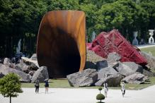 Anish Kapoor 'provokes a scandal' with 'queen's vagina' sculpture in Versailles