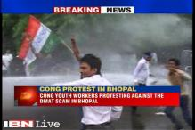 MP: Congressmen protest irregularity in admissions to private medical colleges, lathicharged
