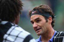 Roger Federer-Gael Monfils halted after two sets at French Open