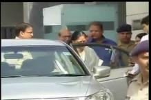 After getting clean chit in Lalit Modi row, Vasundhara Raje reaches Delhi to attend NITI Aayog meeting