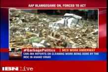 Garbage piles up on Delhi roads, residents blame MCD