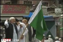 After Pakistani flags, separatists wave ISIS flags in Kashmir