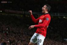 Manchester United striker Robin van Persie keeping options open