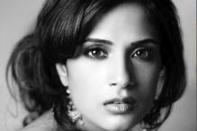 Richa Chadha signs Omung Kumar's 'Sarabjit'