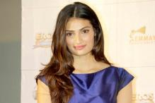 Indian women have the most beautiful eyes, says Athiya Shetty