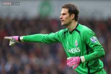 Chelsea sign Stoke City goalkeeper Asmir Begovic