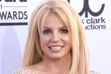 Britney Spears improves workouts, bans junk food to get back in shape