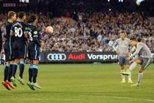 Real Madrid rout Manchester City in front of record Melbourne crowd