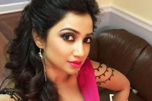 Shreya Ghoshal becomes Instagram hit with backstage selfie, holiday photos taken during her US tour