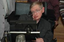 Stephen Hawking Enters Chinese Social Media with a Big Bang