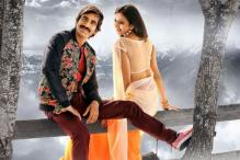 Ravi Teja to essay the role of a lecturer in 'Yevado Okadu'