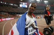 Mo Farah faster than Usain Bolt, escapes Segway cameraman scare during victory lap at World Championships