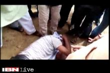 Watch: People beat eve-teaser for allegedly molesting girl in autorickshaw