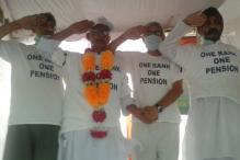 Army veteran Colonel Pushpender, on fast-unto-death for One Rank One Pension, rushed to hospital