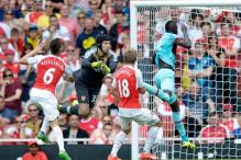 West Ham stun Arsenal 2-0 after Petr Cech errors