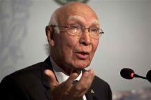 Sartaj Aziz warns against 'unrealistic expectations' from Indo-Pak talks