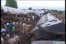 20 passengers of Kamyani and 10 passengers of Janata express killed
