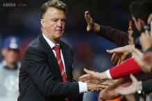 Louis van Gaal tips Manchester United's Marouane Fellaini to succeed up front