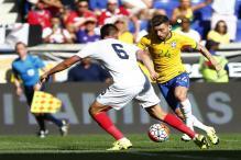 Hulk scores in Brazil's 1-0 win over Costa Rica