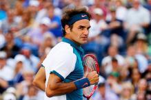 Federer sweeps aside Kohlschreiber to reach US Open fourth round