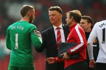 David de Gea to speak to coach Louis van Gaal on future at Manchester United