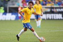 Brazil drop Kaka, recall Corinthians pair for World Cup qualifiers