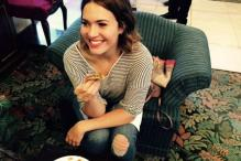 Mandy Moore digs into 'litti chokha' on India visit