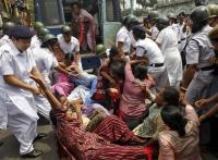Strike hits normal life, coal output; violent clashes in West Bengal