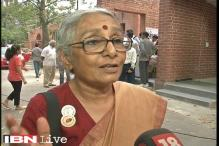 Aruna Roy backs writers, says freedom in India has come under threat