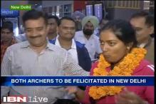 Archers Deepika Kumari, Abhishek Verma get rousing welcome