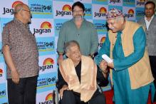 Shashi Kapoor honoured with Lifetime Achievement Award at the Jagran Film Festival