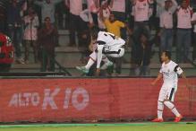 ISL 2016: NorthEast Beat Delhi 2-1 to Keep Semis Hopes Alive