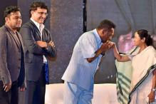 Football legend Pele's day out in Kolkata - a bit of Samba & a bow at a Durga Puja pandal