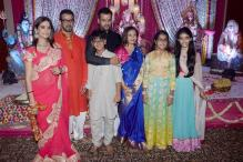 Ronit Roy hosts 'Mata Ki Chowki' on his birthday eve; Big B, Tabu and others attend the event