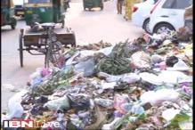 Sanitation workers again on strike in Delhi