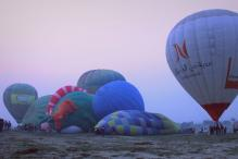 Bright balloons sail across Agra's skyline in international Taj Balloon festival