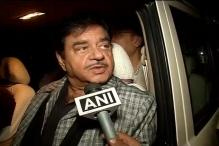 Shatrughan Sinha rallies behind BJP colleague RK Singh, says 'no one has the DNA to give us a fatkaar'