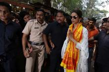 A day before the release of 'Tamasha', Deepika Padukone visits Siddhivinayak temple