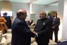 Narendra Modi and Nawaz Sharif meet in Paris, talk for a few minutes