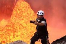Adventurer captures extreme selfie inside a live volcano