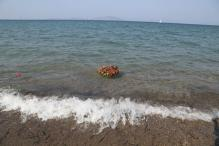 Eleven migrants drown after boat sinks off Turkey's western coast
