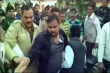 Fight breaks out in municipal corporation meeting in UP's Bulandshahr