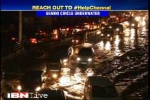 Chennai rains: Traffic wades through flooded Gemini circle