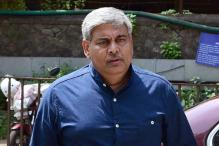 BCCI president Shashank Manohar congratulates Team India and Ravichandran Ashwin