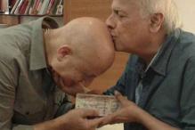 Anupam Kher gives 'gurudakshina' to Mahesh Bhatt