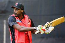 Australia reporter's on air hug sparks Chris Gayle comparisons