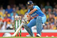 Andhra court recalls its non-bailable order against Dhoni