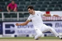 England's Steven Finn out of SA tour, replaced by Liam Plunkett