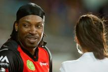 TV presenter McLaughlin accepts Gayle's apology