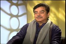 Better late than never: Shatrughan Sinha to newly-wed Urmila Matondka